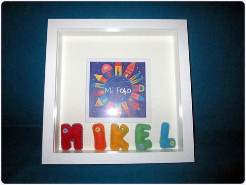 Marco de Fotos con letras en Fieltro - Mikel - ChikiPol