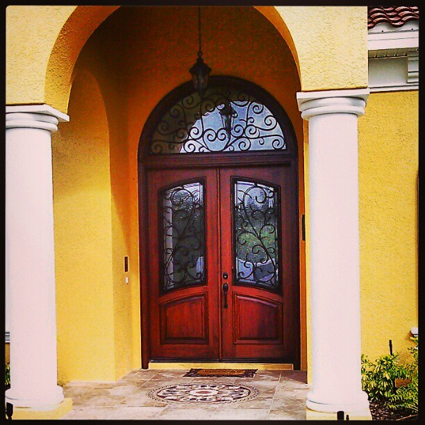 Grand entry door flickr photo sharing for Grand entrance doors