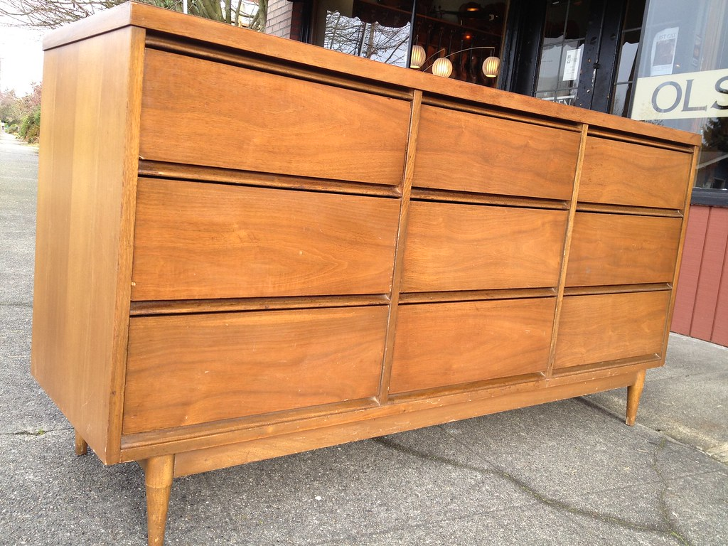 Mid Century Dresser 31 5 X 60 X 18 Inches Tapered Legs All