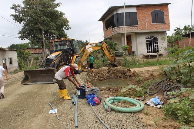 Empresa aguas del Chuno realiza trabajos en reparación de tuberías