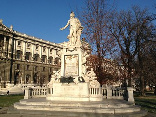 Image of Mozart Statue.