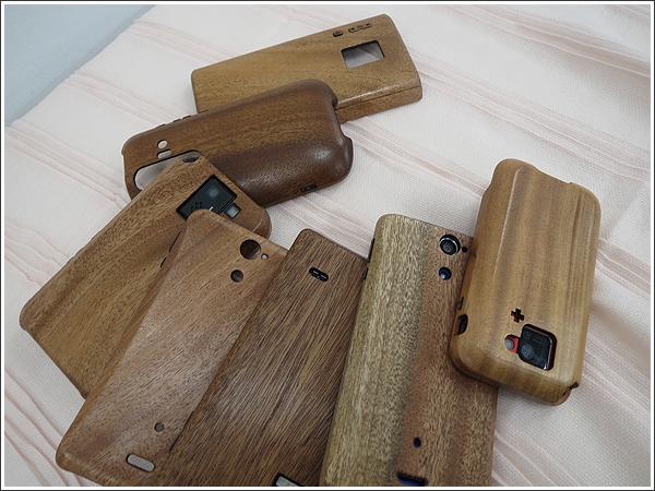 職人手作りの木製スマホケースは想像以上の温もりがあった!!