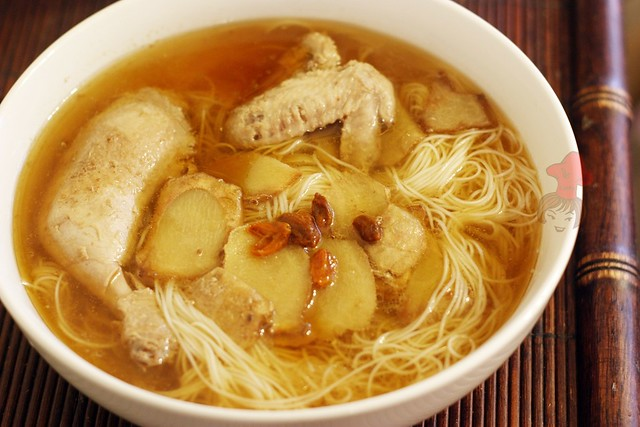 Taiwanese chicken wine soup with sesame oil 1
