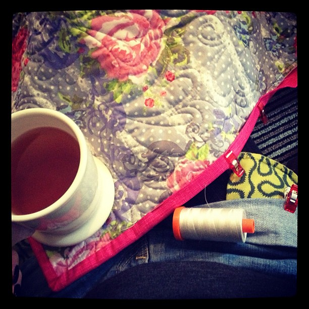 #WIDN sat on the floor drinking tea and binding a quilt. tagged by @me_and_elna tagging @hotpinkstitches @amanda_threadbias