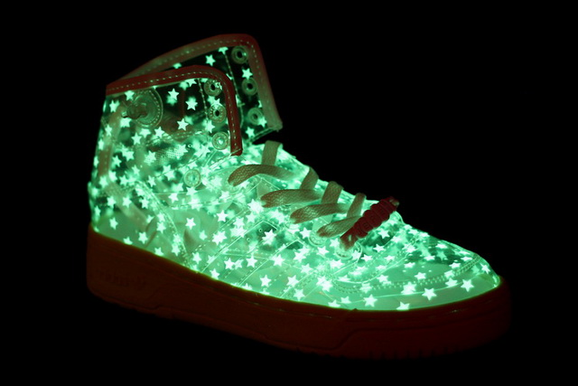 Jeremy-Scott-Adidas-Originals-JS-Wings-Clear-Glow-In-The-Dark