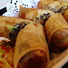 dim sum food, meal, taquito, lumpia, meat, egg roll, nem rã¡n, spring roll, food, dish, cuisine, burrito,