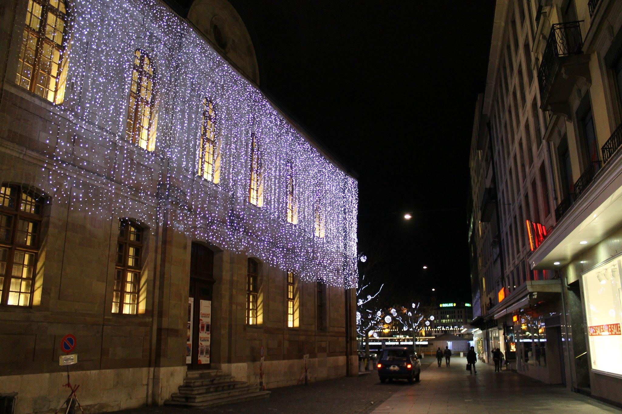 #988033 Christmas Decoration In Geneva 2012 Christmas  5545 decorations noel geneve 2048x1365 px @ aertt.com
