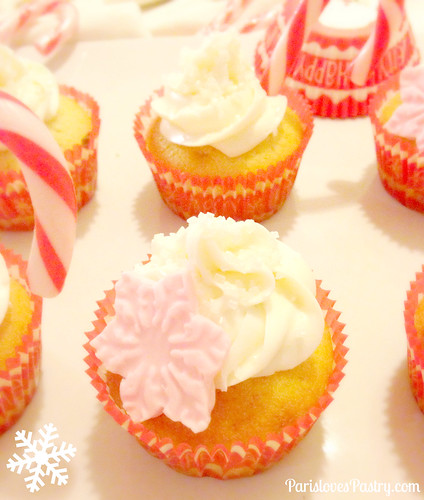 雪花& Candy Cane 纸杯蛋糕