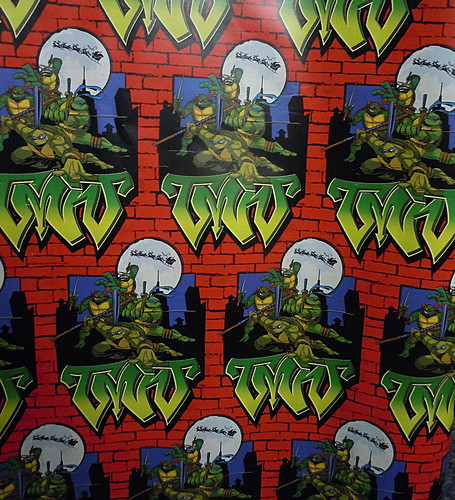 "xx :: ""Teenage Mutant Ninja Turtles"" - Holiday Gift Wrap ii  (( 2004 ))"