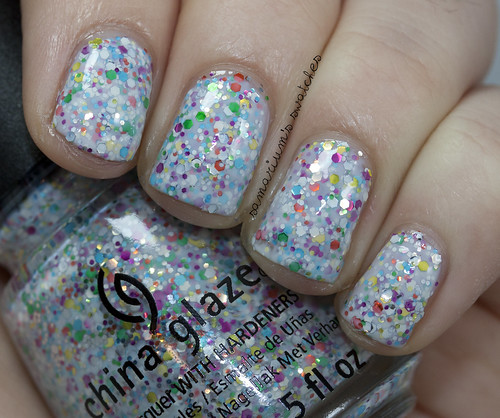 China Glaze It's A Trap-eze! (2)