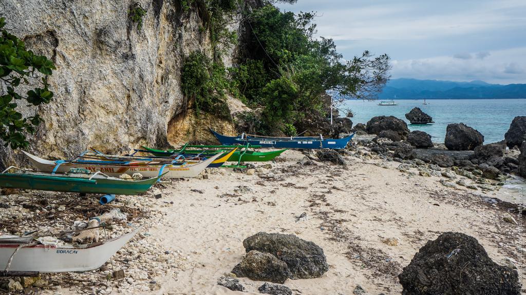 Лодки рыбаков на Боракае
