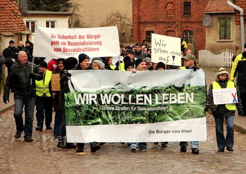 2012.12.29 Stendal OT Insel Buerger_innen und NPD (5)