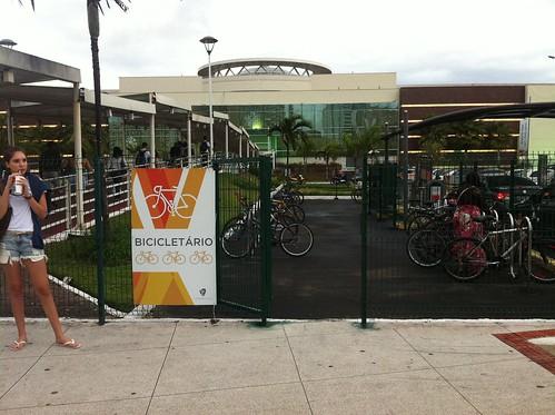 bicicletário do shopping vitória