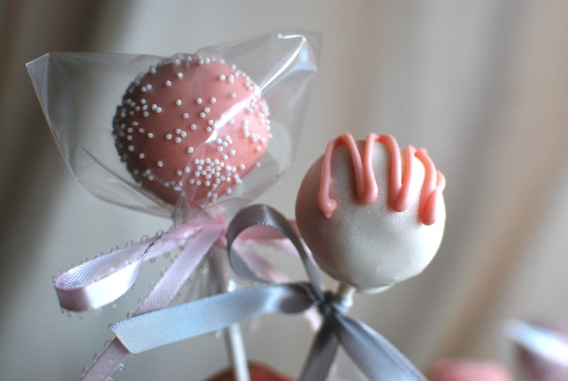 Vanilla Cake Pops for a Bridal Shower