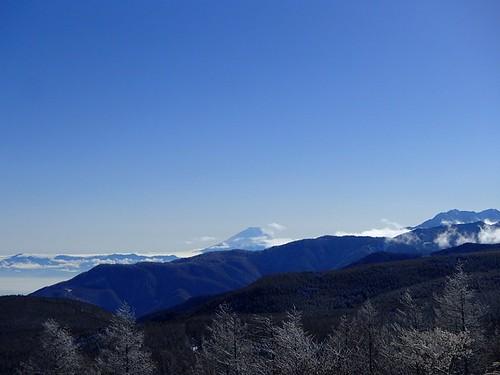 a3e928c640 去年はこの山を何度眺めたことだろうか、、、。2012年最後にも顔を出してくれて本当にありがとう!富士山!!アルプスや八ヶ岳がひしめく展望の中では若干見劣りする  ...