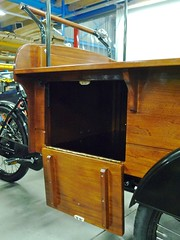 custom side access hatch open workcycles bakfiets
