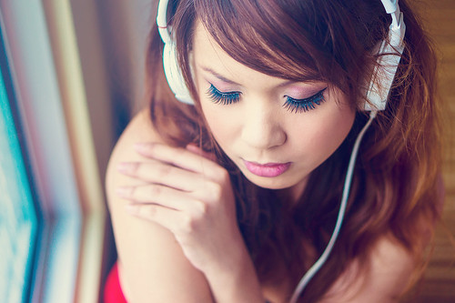 [フリー画像素材] 人物, 女性 - アジア, ヘッドホン・イヤホン, 音楽 ID:201301301400
