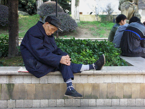 china streets dailylife oldpeople sichuan yibin retiredcitizens