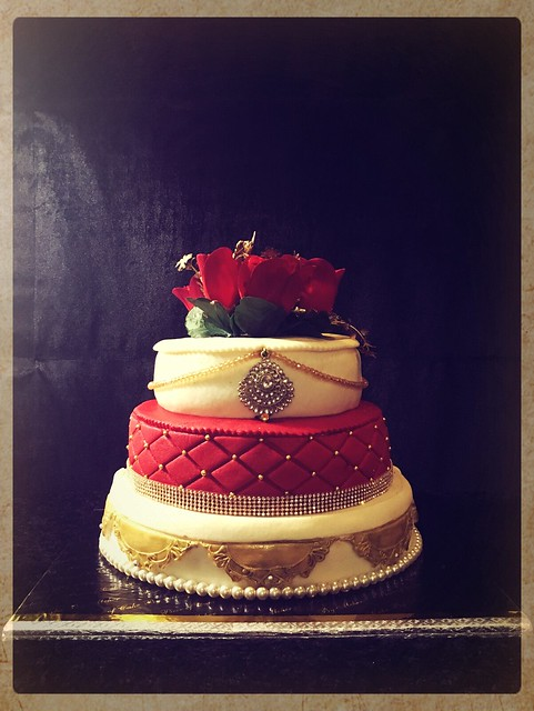The Majestic Wedding Cake (Royalty combines with Class) from Piece of Cake by Meher
