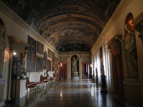 DSCN4702 _ Palazzo D'Accursio (Palazzo  Comunale), Bologna, 18 October