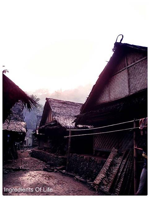 pagi di kampung baduy