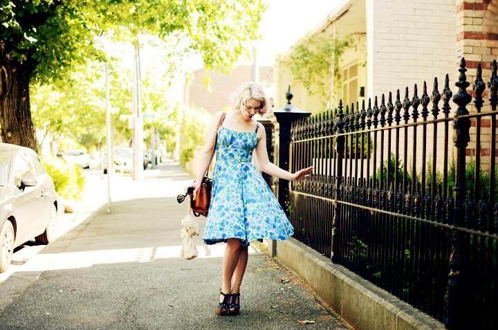 vintage blue floral dress c