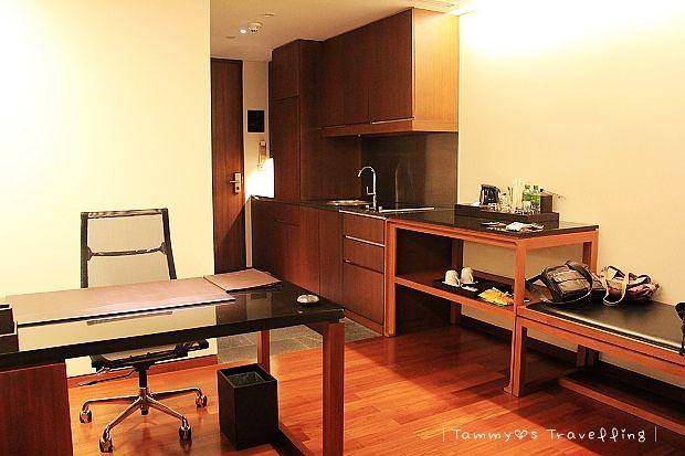 IMG_0210Hansar Bangkok Hotel