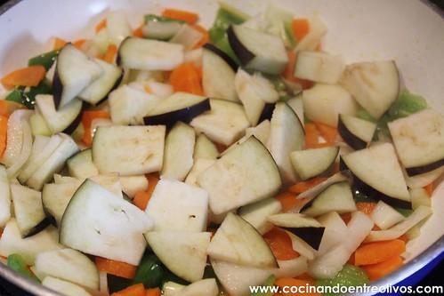 Pechuga de pollo en hojaldre con salsa de pistachos (5)
