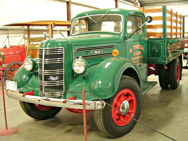 1948 Mack Truck : Mack eg stake bed photohraphed at the hays