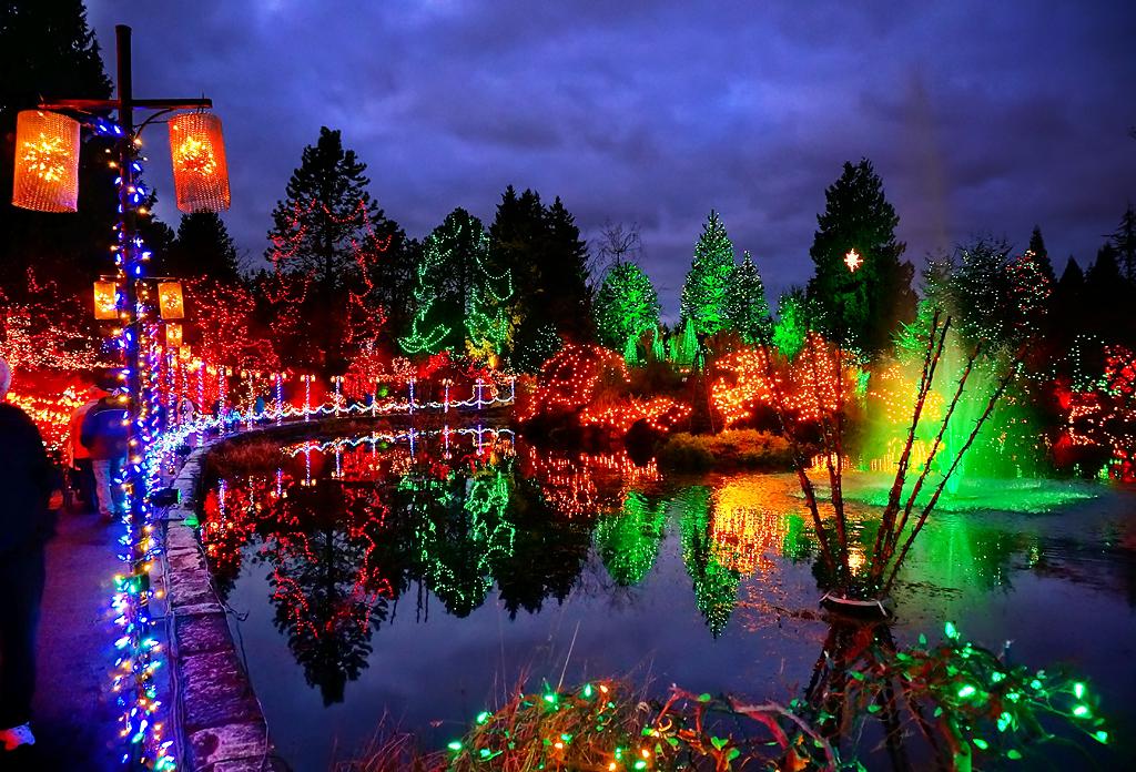 Happy holidays vandusen botanical garden at night - Garden of lights botanical gardens ...