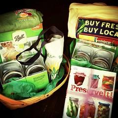 food, gift basket, dish,