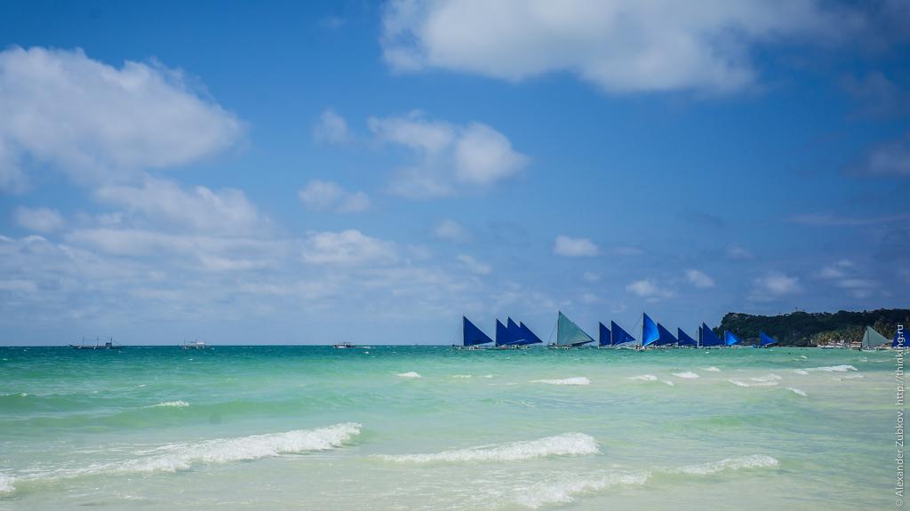 Лодки на острове Боракай