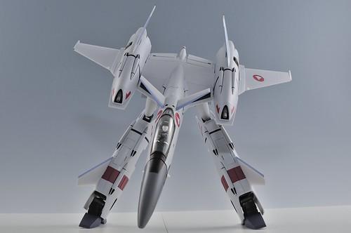 やまと 完全変形 1/60 VF-4G Lightning III ガウォークファイター