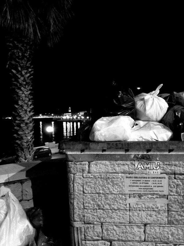 Bari di notte durante le vacanze di Natale