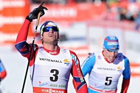 Bauer bojoval a drží osmé místo, Jakše na Tour de ski zastavila angína