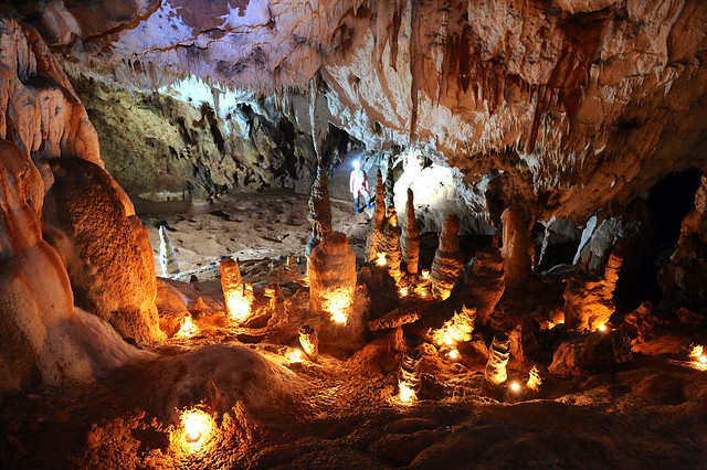 Exploring Cioclovina Cave- Gradistea Muncelului,Romania