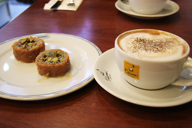 Turkish sweets at a cafe in Istanbul, Turkey イスタンブールのカフェにて