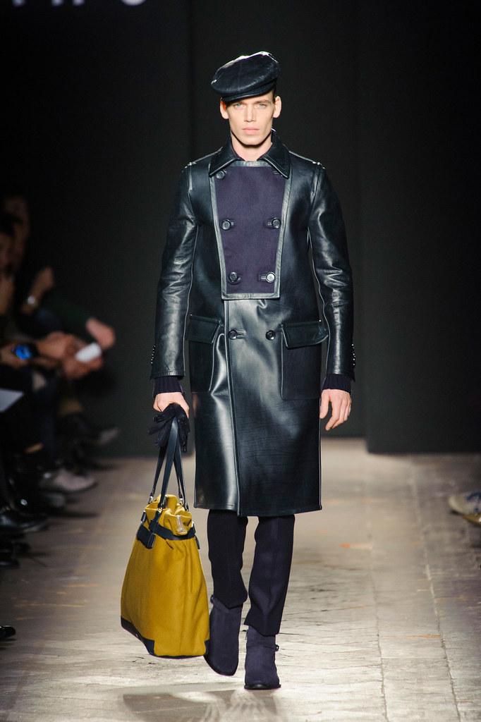 FW13 Milan Daks030_Mark Cox(fashionising.com)