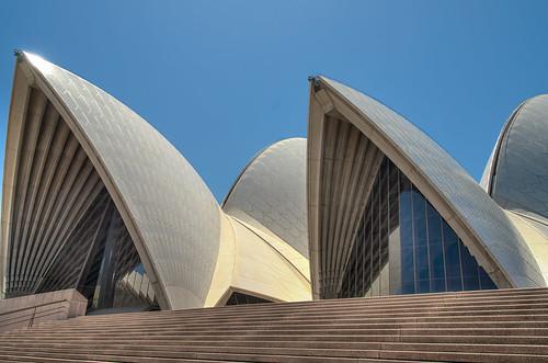 sydney newsouthwales australia opera house daylight blue sky architecture building light lighting evening sunset sail shape landmark tourist attraction architecturepf