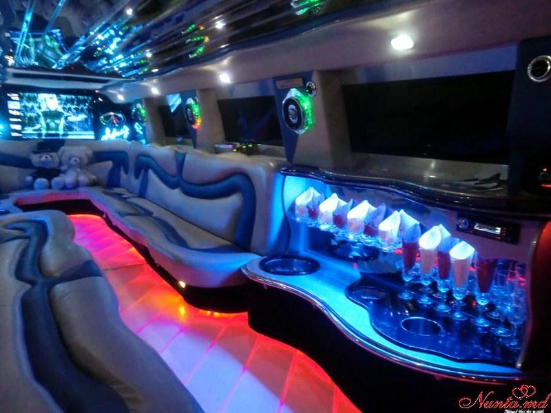 """Прокат лимузинов в Молдове от """"Elitelimo"""" > Infiniti QX-56 2008 Salon"""