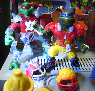 """MUTANT EXTREME SEWER SPORTS"" TEENAGE MUTANT NINJA TURTLES :: M.E.S.S. RAPH xi / with T.D. TOSSIN' LEO '91 (( 2006 ))"