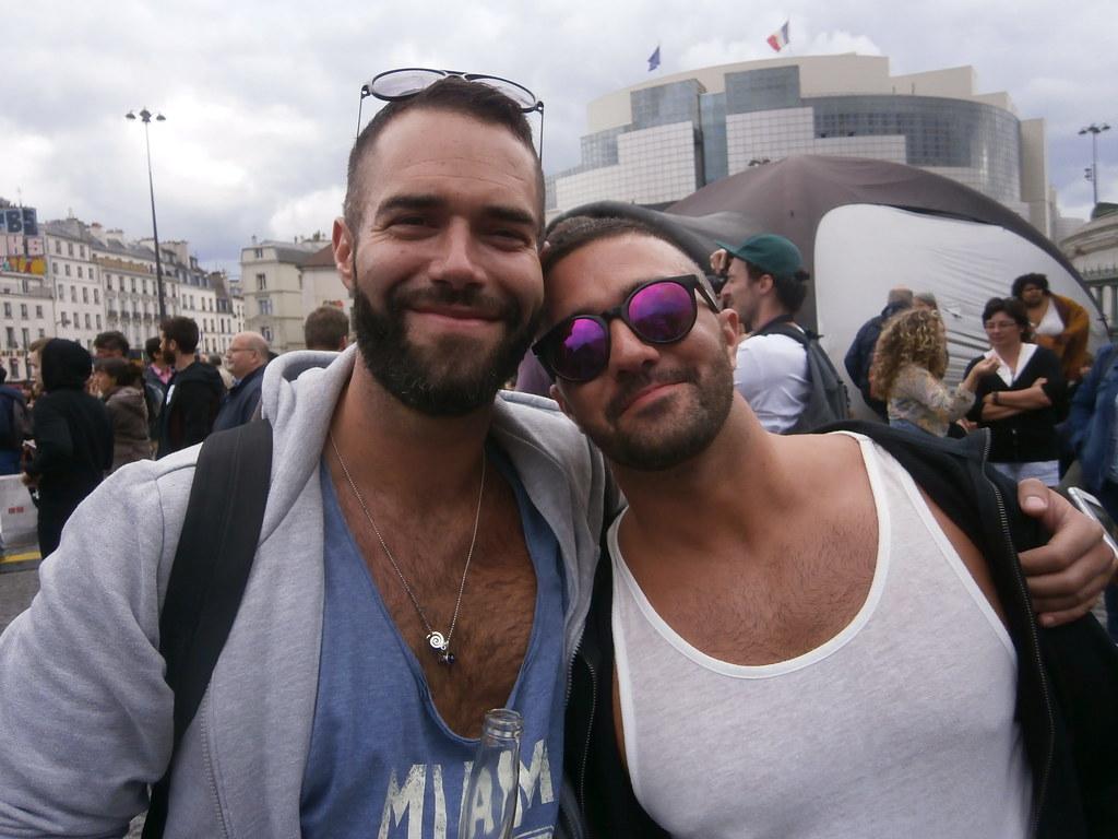 ALL SMILES at the PARIS PRIDE 2016 ! (safe photo)