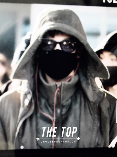 Big Bang - Incheon Airport - 10apr2015 - TOP - The TOP - 01