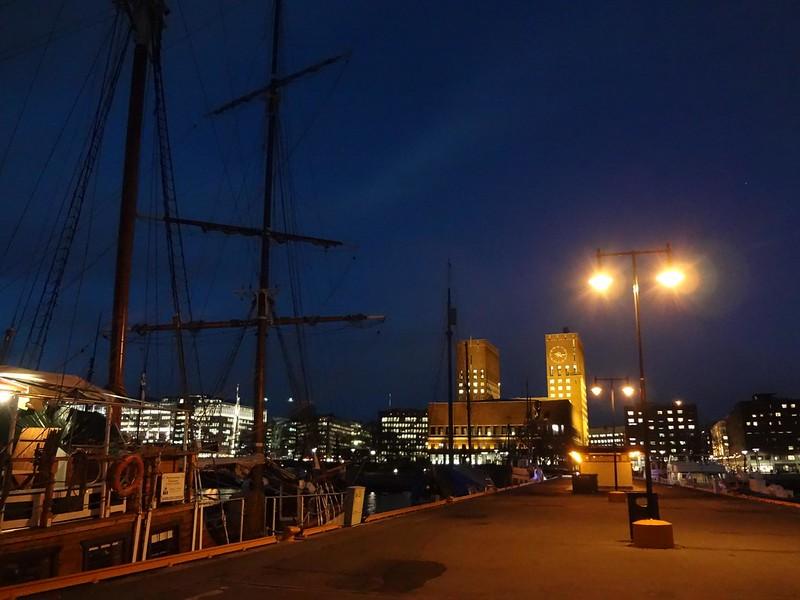 Cais de Oslo à noite