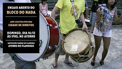 drummer(0.0), drums(0.0), hand drum(0.0), percussion(1.0), bass drum(1.0), barrel drum(1.0), drum(1.0), dhol(1.0), skin-head percussion instrument(1.0),