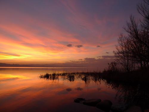 tramonto chimico sul lago di Varese