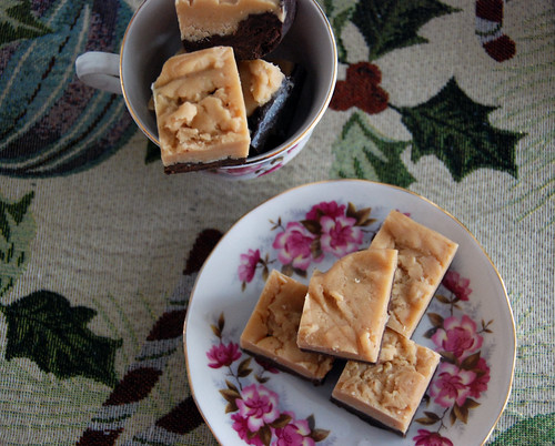 Peanut butter, white chocolate and dark chocolate fudge