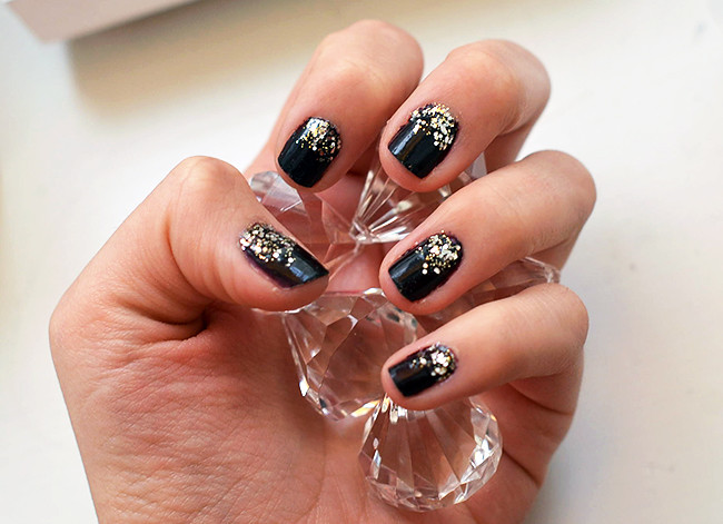 sparkly_nails_4