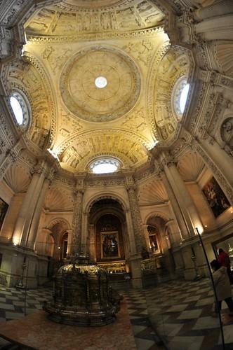 Catedral de Sevilla Catedral de Sevilla, sepulcro de la historia de américa - 8323103612 b165519994 - Catedral de Sevilla, sepulcro de la historia de américa
