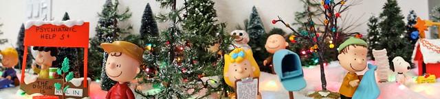 Peanuts Christmas Panorama